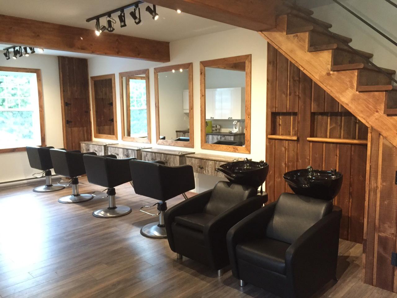 salon moderne etrustique